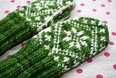 Ravelry: Child Mitten - Traditional pattern pattern by Randi K Design Baby Knitting, Knitted Baby, Bindi, Mittens, Ravelry, Knit Crochet, Traditional, Children, English