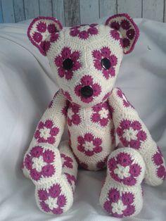 Hecho a mano crochet juguetes oso de peluche flores