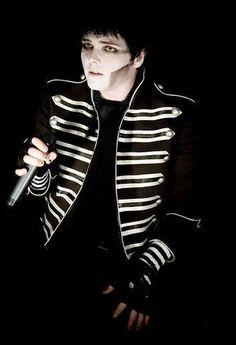Gerard Gerard And Frank, Gerard Way, My Chemical Romance, Black Parade, Frank Iero, Black Hair, Handsome, Killjoys, Fictional Characters