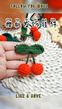 Crochet Stitches - Crochet Magic Circle - How To Crochet For Beginners #crochettoppattern #crochet #crochetpattern #crochettoppattern Crochet Applique Patterns Free, Crochet Flower Patterns, Crochet Flowers, Crochet Stitches, Crochet Leaves, Crochet Circles, Autumn Crochet, Crochet Magic Circle, Crochet Crafts