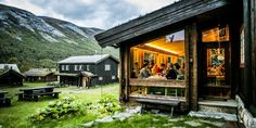There are thousands of cabins, cottages, lodges, and fisherman's shacks for rent in Norway. Do as the locals and enjoy the quietness of nature on a cabin holiday. Romantic Winter Getaways, Arkansas Vacations, Norway House, Underwater Restaurant, Farm Holidays, Red River Gorge, Harbor House, Lillehammer, Visit Norway
