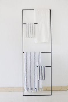 Cheap And Easy Ideas: Cozy Minimalist Home Kitchens warm minimalist decor apartment therapy.Ultra Minimalist Interior Floors minimalist home decoration grey. Bathroom Plants, Bathroom Towels, Bathroom Storage, Bathroom Interior, Modern Bathroom, Small Bathroom, Bathroom Ladder, Bathroom Rack, Bathroom Ideas