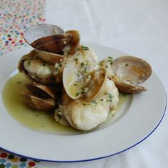 Monkfish in green sauce and Clams - Spanish Recipes by Núria