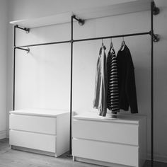 Open Wardrobe Clothes Rail Wardrobe Industrial Design Industrial Design Malleable Iron Tube Steel Pipe DIY Furniture Furniture Making Do it yourself W . Diy Wardrobe, Wardrobe Storage, Walk In Wardrobe, Bedroom Storage, Bedroom Decor, Wardrobe Ideas, Wardrobe Clothing, Bedroom Wardrobe, Bedroom Ideas