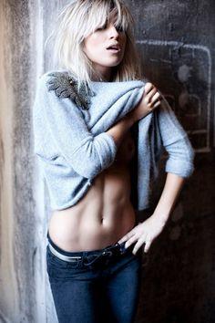 Paula Cahen D´Anvers AW11 - Sw angora con apliques bordados  50%lambswool/40%angora/10%cashmere - 7gg