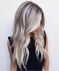 Perfection by ombre hair / balayage chatain Blonde Balayage, Blonde Hair, Hair Highlights, White Highlights, Hair Videos, Ombre Hair, Gorgeous Hair, Hair Goals, Dyed Hair