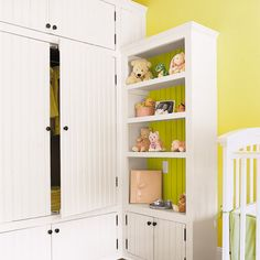 Accent color behind shelves - love.