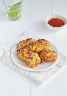 bloemkool nuggets Vegetarian Snacks, Savory Snacks, Healthy Snacks, Healthy Recipes, Go For It, Tapas, Perfect Food, Veggie Recipes, Kids Meals