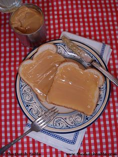 The Dutch Table: Caramelco (Dutch Caramel Spread) Traditional Dutch Recipes, Breakfast Crepes, Salad Sandwich, Dessert Recipes, Desserts, Caramel, Sweet Treats, Cooking Recipes, Sweets