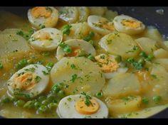 Patatas con huevos en salsa verde - Cocinera y Madre Veggie Recipes, Mexican Food Recipes, Healthy Recipes, Tapenade, Salada Light, Tapas, Lunches And Dinners, Meals, Good Food