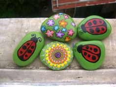 pietre decorate a mano painted stones