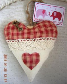 Valentines Day Heart & Key Padded Hanging Heart &  Never Forget I Love You  Card