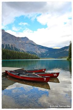 Emerald Lake, Banff, Canada. Follow me on instagram @chrissihernandez