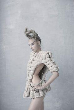 Knitwear Fashion, Knit Fashion, Fashion Art, Editorial Fashion, High Fashion, Fashion Design, Haute Couture Style, Foto Fantasy, Mode Editorials