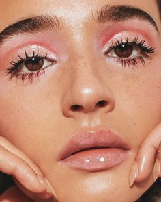 gorgeous glossy makeup look / pink everything / model/dj - Make up - Beauty Glossy Makeup, Pink Makeup, Cute Makeup, Gorgeous Makeup, Pretty Makeup, Glossy Eyes, Awesome Makeup, Perfect Makeup, Glam Makeup