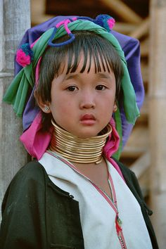 Asia - Thailand / Longneck girl - Padaung / Long-Necked Karen; Kayan Lahwi tribe; Giraffe Women by RURO photography, via Flickr