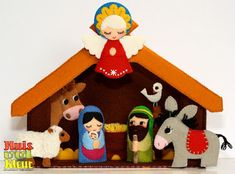 Risultati immagini per nativity scene felt pattern Felt Christmas Decorations, Christmas Nativity Scene, Kids Christmas, Christmas Crafts, Christmas Ornaments, Felt Quiet Books, Art N Craft, Xmas Holidays, Felt Toys