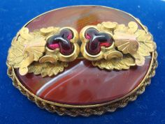 VICTORIAN GENUINE NATURAL AGATE BROOCH WITH GARNETS