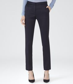 Timeless and classic, our women's pants offer a design-led take on a wardrobe essential. Tailored Trousers, Trousers Women, Pants For Women, Reiss Looks, Navy Women, Office Fashion, Work Attire, Office Wear, Woman Inspiration