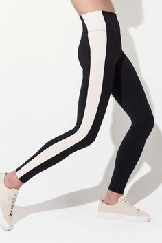 High-rise, smooth shaping workout leggings with optically slimming side panels. Perfect for training, yoga, cycling, running. Pair it with the matching Align bra to complete the look. Mesh Leggings, Capri Leggings, Bra Tops, Workout Leggings, Bra Sizes, Dance Wear, Perfect Fit, Active Wear, Bodysuit
