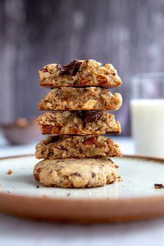 Recette de cookies au chocolat, noisettes et noix de pécan Super Cookies, Ottolenghi, Cookies Et Biscuits, Healthy Recipes, Healthy Food, Muffin, Sweets, Eclairs, Mousse