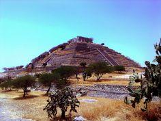 Piramide del Pueblito 2 by Leooo18, via Flickr