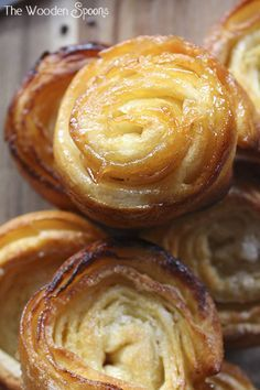 puff pastry Kouign Amann with the best visual instructions Desserts Français, Puff Pastry Desserts, Puff Pastry Recipes, French Desserts, Delicious Desserts, Dessert Recipes, Yummy Food, Sweet Pastries, French Pastries