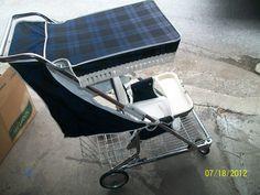 Vintage 70s Strolee of California baby stroller.