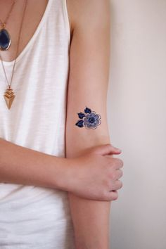 Delft Blue floral temporary tattoo / Delft Blue temporary tattoo / flower temporary tattoo / something blue wedding / boho gift idea / blue Delft Blue small flower Temporary Tattoo Little Tattoos, Mini Tattoos, Body Art Tattoos, Small Tattoos, Blue Flower Tattoos, Blue Tattoo, Temp Tattoo, Get A Tattoo, Pretty Tattoos
