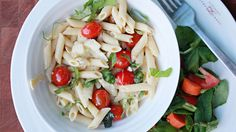 Weeknight meals can be hard to pull off. Differing schedules, late work nights and kids' homework can make home-cooked recipes difficult to get on the table. But quick and easy dinner recipes are possible! Easy dinner recipes are quick to make. Take this 10-minute meal recipe for example: it features pasta and fresh ingredients, and both kids and adults will love it!