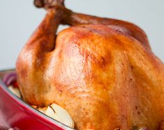 A roasted turkey is the crowning glory of any big holiday dinner, and you want to make sure it turns out just right, so we've put together the perfect turkey roasting guide. The secret to a great tur Healthy Eating Tips, Healthy Nutrition, Best Roasted Turkey, Turkey Prep, Roasting Times, Whipped Shortbread Cookies, Roast Turkey Recipes, Perfect Turkey, Cooking Together