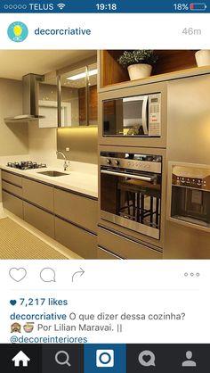 No photo description available. Kitchen Interior, Kitchen Decor, Small U Shaped Kitchens, Luxury Kitchen Design, Interior Decorating, Interior Design, Kitchen Sets, Beautiful Kitchens, Design Case