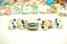 reklam şekeri, logolu şeker, tanıtım Stud Earrings, Sugar, Cookies, Desserts, Food, Candy, Crack Crackers, Tailgate Desserts, Biscuits