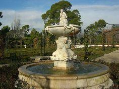 Parque del Retiro. Fuente del Fauno. La Rosaleda. Madrid