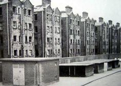 Old Pictures, Old Photos, Dublin Street, Photo Engraving, Dublin Ireland, Belfast, Dutch, Multi Story Building, History