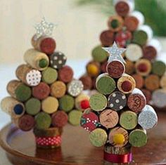 navidad manualidades árbol navideño con tapones de corcho