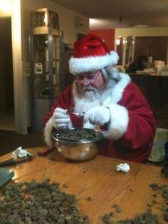 Santa trappin. @DeshaXOXO