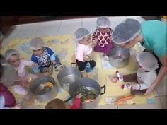 Aula de Música e atividade com elástico - Berçário B dia 18-04-2016 - YouTube Baby Sensory, Sensory Play, Montessori Activities, Infant Activities, Reggio Emilia, Teachers Room, Baby Workout, Homeschool Kindergarten, Baby Art