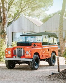 coolnvintage reflects coastal comporta vibes with its build 87 land rover Land Rover Serie 3, Land Rover Defender 110, Landrover Defender, Carros Suv, Offroader, Range Rover Sport, Lifted Trucks, Lifted Ford, Ford Trucks