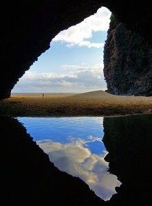 Kalalau Beach Cave – Kauai, Hawaii