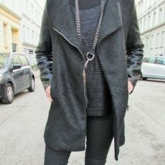 Black outfit, streetstyle, fashion inspiration, black jacket, Scheibel Cph, outfit of the day