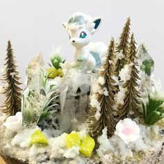 brrrrr... cold ___________ #alolanVulpix #snowVulpix #VulpixDiorama #PokemonDiorama #Sharksnail Alolan Vulpix, Snow Globes, Waterfall, Frozen, Cold, Etsy, School, Decor, Dioramas