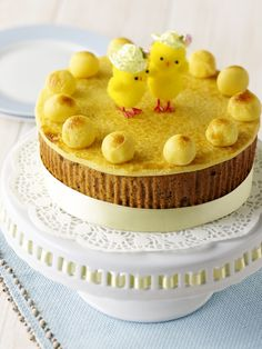 Simnel Cake by Jane Asher - recipe on Poundland, Great Ideas. Easy Cake Recipes, Baking Recipes, Simnel Cake, Easter Biscuits, English Food, English Recipes, Easter Lunch, Spring Cake, Hot Cross Buns