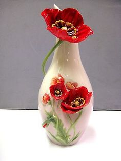 5 Outstanding Tips AND Tricks: Small Vases Simple modern vases flower.Hand Built Ceramic Vases what to do with glass vases.Square Vases Home Decor. Vase Crafts, Easy Paper Crafts, Wooden Vase, Ceramic Vase, Vase Centerpieces, Vases Decor, Flower Wall, Flower Vases, Flower Vase Drawing