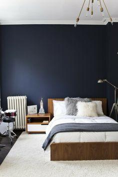 schlafzimmer ideen weißer teppich blaue wände