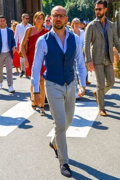 クールビズの服装【ベスト編】「シャツ単体の着こなしにありがちなもの足りなさを解消」