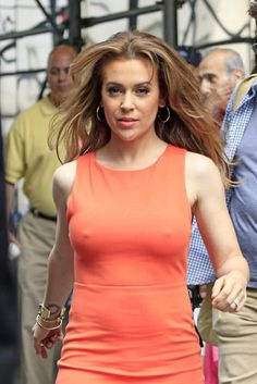 Alyssa Milano Charmed, Alyssa Milano Hot, Alisa Milano, Actrices Sexy, Actrices Hollywood, Tight Dresses, Beautiful Celebrities, Athletic Tank Tops, Sexy Women
