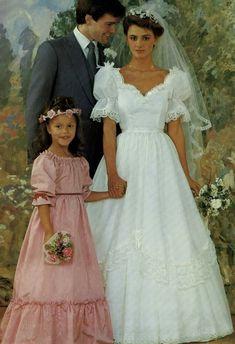 1980s Wedding Dress, Retro Wedding Dresses, Vintage Wedding Photos, Vintage Bridal, Wedding Gowns, Bridal Looks, Bridal Style, 1980s Dresses, Vintage Gowns