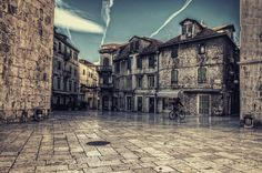 Amazing Split.  (Croatia)