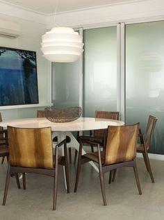Apartamento com base neutra e cores nos detalhes (Foto: Gabriel Arantes / divulgação), Salas, Rooms
